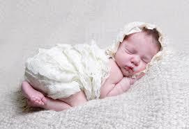 membentuk-pola-tidur-bayi
